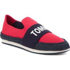 Espadryle TOMMY JEANS - Hybrid Slip On EN0EN00096 Tango Red 611. Czerwone espadryle damskie Tommy Jeans, z jeansu. W wyprzedaży za 249.00 zł.