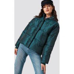 NA-KD Błyszcząca kurtka - Green. Zielone kurtki damskie NA-KD Trend, z materiału. Za 283.95 zł.