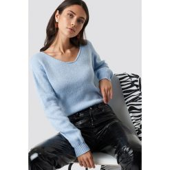 Glamorous Sweter z odkrytymi ramionami - Blue. Niebieskie swetry damskie Glamorous, z materiału, z okrągłym kołnierzem. Za 141.95 zł.