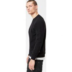 G-Star Raw - Sweter. Czarne swetry przez głowę męskie G-Star Raw, z bawełny, z okrągłym kołnierzem. W wyprzedaży za 239.90 zł.