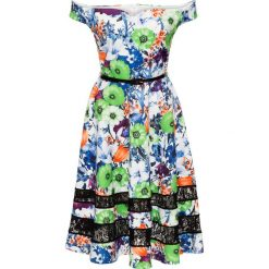 Sukienka w kwiaty bonprix zielono-biały. Białe sukienki damskie bonprix, w kwiaty, z koronki, z kołnierzem typu carmen. Za 89.99 zł.