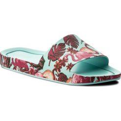 Klapki MELISSA - Beach Slide 3DB Rainbo 32389 Green/Pink 52228. Niebieskie klapki damskie Melissa, z tworzywa sztucznego. W wyprzedaży za 229.00 zł.