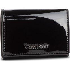 Mały Portfel Damski CALVIN KLEIN - Small Wallet P K60K604960 001. Czarne portfele damskie Calvin Klein, ze skóry ekologicznej. Za 229.00 zł.