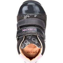 Półbuty GEOX B EACH G. Półbuty dziewczęce marki Born2be. W wyprzedaży za 109.90 zł.