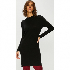 Jacqueline de Yong - Sweter. Czarne swetry damskie Jacqueline de Yong, z dzianiny, z okrągłym kołnierzem. Za 99.90 zł.