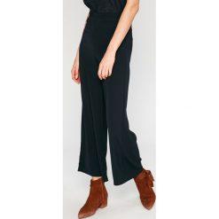 Answear - Spodnie Wild Nature. Szare spodnie materiałowe damskie ANSWEAR, z haftami, z dzianiny. W wyprzedaży za 59.90 zł.