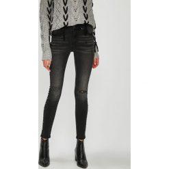 Medicine - Jeansy Hand Made. Czarne jeansy damskie MEDICINE. W wyprzedaży za 99.90 zł.