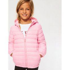 Pikowana kurtka z kapturem - Różowy. Czerwone kurtki i płaszcze dla dziewczynek Reserved. Za 69.99 zł.