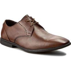 Półbuty CLARKS - Bampton Lace 261253987 Tan Leather. Brązowe eleganckie półbuty Clarks, z materiału. W wyprzedaży za 179.00 zł.
