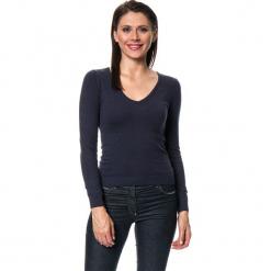 Sweter w kolorze granatowym. Niebieskie swetry damskie Assuili, z kaszmiru. W wyprzedaży za 136.95 zł.