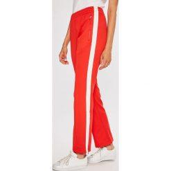 Calvin Klein Jeans - Spodnie. Szare jeansy damskie Calvin Klein Jeans. W wyprzedaży za 399.90 zł.