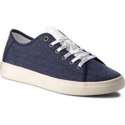 Tenisówki TOMMY JEANS - Light Textile Low EM0EM00102 Black Iris 431. Niebieskie trampki męskie Tommy Jeans, z jeansu. W wyprzedaży za 239.00 zł.