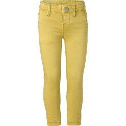 """Dżinsy """"Gardere"""" w kolorze żółtym. Jeansy dla chłopców marki Reserved. W wyprzedaży za 65.95 zł."""