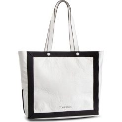 Torebka CALVIN KLEIN - Outline Ew Shopper K60K604815 102. Białe torebki shopper damskie Calvin Klein, z materiału. Za 599.00 zł.