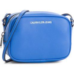 Torebka CALVIN KLEIN JEANS - Sculpted Camera Bag K40K400649  455. Listonoszki damskie marki Calvin Klein Jeans. W wyprzedaży za 299.00 zł.