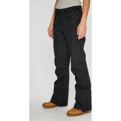 Roxy - Spodnie snowboardowe. Szare spodnie materiałowe damskie Roxy, z materiału. Za 549.90 zł.