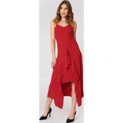Trendyol Sukienka z troczkiem z przodu - Red. Sukienki damskie Trendyol, z tkaniny. W wyprzedaży za 72.78 zł.