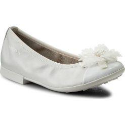 Baleriny GEOX - R Plie' B J8255B 04402 C1000 S  White. Baleriny dziewczęce Geox, w kwiaty, ze skóry ekologicznej. W wyprzedaży za 199.00 zł.