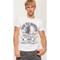 T-shirt z nadrukiem - Biały. Białe t-shirty męskie House, z nadrukiem. Za 35.99 zł.