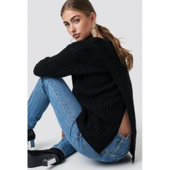 Rut&Circle Sweter Samira Otwórz Wróć Knit - Black. Czarne swetry damskie Rut&Circle, z dzianiny, z okrągłym kołnierzem. Za 121.95 zł.