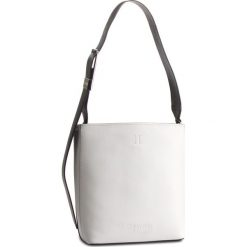 Torebka CALVIN KLEIN - Strapped Bucket Cb K60K604934 908. Białe torebki do ręki damskie Calvin Klein, ze skóry ekologicznej. Za 849.00 zł.