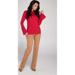 Czerwona Elegancka Bluzka z Rozkloszowanym Rękawem. Czerwone bluzki damskie Molly.pl, z jeansu, biznesowe, z długim rękawem. W wyprzedaży za 95.70 zł.