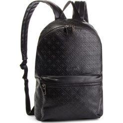 Plecak GUESS - HM6471 POL82 BLA. Czarne plecaki damskie Guess, z aplikacjami, ze skóry ekologicznej. Za 629.00 zł.