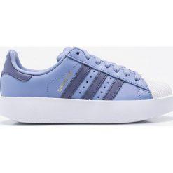 Adidas Originals - Buty Superstar. Szare obuwie sportowe damskie adidas Originals, z materiału. W wyprzedaży za 319.90 zł.
