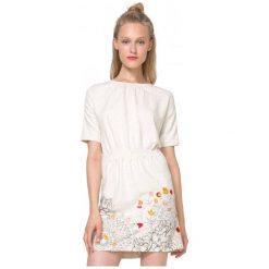 Desigual Sukienka Damska Crudo Xl Kremowy. Białe sukienki damskie Desigual. W wyprzedaży za 229.00 zł.