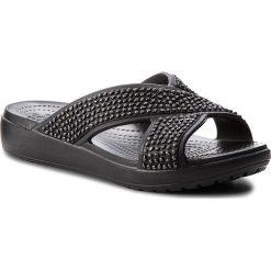 Klapki CROCS - Crocsloane Embellished Xstrap 204084 Black/Black. Czarne klapki damskie Crocs, z tworzywa sztucznego. W wyprzedaży za 149.00 zł.