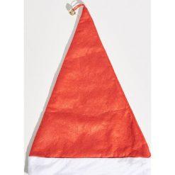 Świąteczna czapka - Czerwony. Czerwone czapki i kapelusze damskie Sinsay. Za 5.99 zł.
