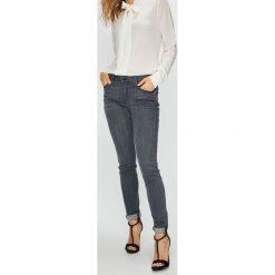 Guess Jeans - Jeansy Annette. Szare jeansy damskie Guess Jeans. W wyprzedaży za 319.90 zł.