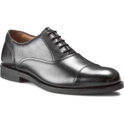 Półbuty CLARKS - Coling Boss 261193457 Black Leather. Czarne eleganckie półbuty Clarks, ze skóry. W wyprzedaży za 439.00 zł.