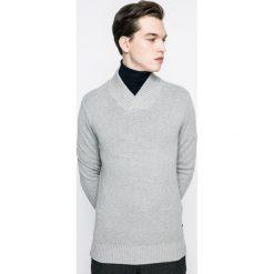 Produkt by Jack & Jones - Sweter. Szare swetry przez głowę męskie PRODUKT by Jack & Jones, z bawełny. W wyprzedaży za 49.90 zł.