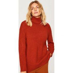 Długi sweter - Bordowy. Czerwone swetry damskie Reserved. Za 139.99 zł.