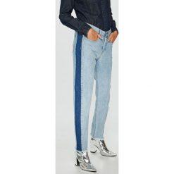 Roxy - Jeansy Cloudy Days. Niebieskie jeansy damskie Roxy. W wyprzedaży za 279.90 zł.