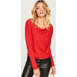 Sweter - Czerwony. Swetry damskie marki bonprix. W wyprzedaży za 49.99 zł.