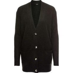 Sweter rozpinany oversize bonprix czarny. Kardigany damskie marki bonprix. Za 49.99 zł.