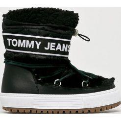 Tommy Jeans - Śniegowce. Czarne śniegowce i trapery damskie Tommy Jeans, z jeansu. Za 699.90 zł.
