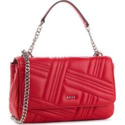 Torebka DKNY - R833B638  Rouge 613. Czerwone torebki do ręki damskie DKNY, ze skóry. Za 979.00 zł.