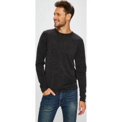 Only & Sons - Sweter. Czarne swetry przez głowę męskie Only & Sons, z bawełny, z okrągłym kołnierzem. W wyprzedaży za 79.90 zł.