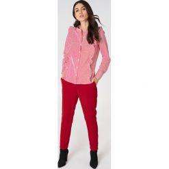 Rut&Circle Koszula w paski Malina - Red,Multicolor. Czerwone koszule damskie Rut&Circle, w paski, klasyczne, z falbankami, z długim rękawem. Za 145.95 zł.
