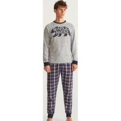 Piżama z długimi spodniami - Jasny szar. Szare piżamy męskie Reserved, z długim rękawem. Za 129.99 zł.