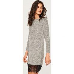 Sukienka z koronkowym dołem - Szary. Szare sukienki damskie Reserved, z koronki. Za 79.99 zł.