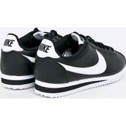 Nike Sportswear - Buty Classic Cortez. Czarne obuwie sportowe damskie Nike Sportswear, z materiału. W wyprzedaży za 349.90 zł.