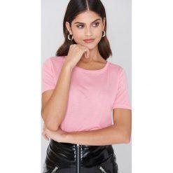Minimum T-shirt Heidl - Pink. Różowe t-shirty damskie Minimum, z okrągłym kołnierzem. W wyprzedaży za 36.59 zł.