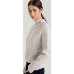 Sweter ze stójką ReDesign - Jasny szar. Szare swetry damskie Reserved, ze stójką. Za 199.99 zł.