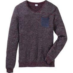 Sweter z dekoltem w serek Regular Fit bonprix bordowy melanż. Swetry przez głowę męskie marki Giacomo Conti. Za 49.99 zł.