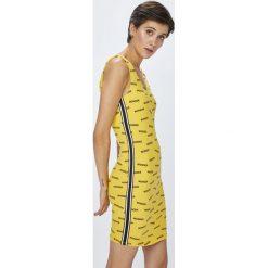 Tally Weijl - Sukienka. Brązowe sukienki damskie TALLY WEIJL, z bawełny, casualowe, z okrągłym kołnierzem, na ramiączkach. W wyprzedaży za 49.90 zł.