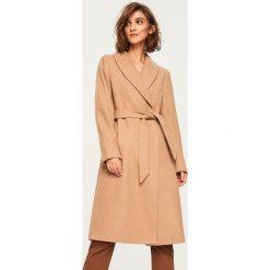 Płaszcz z wełną - Beżowy. Brązowe płaszcze damskie Reserved, z wełny. W wyprzedaży za 149.99 zł.